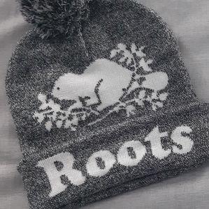 2/$25🎉 NWOT Host Pick Roots Warm Winter Toque 2